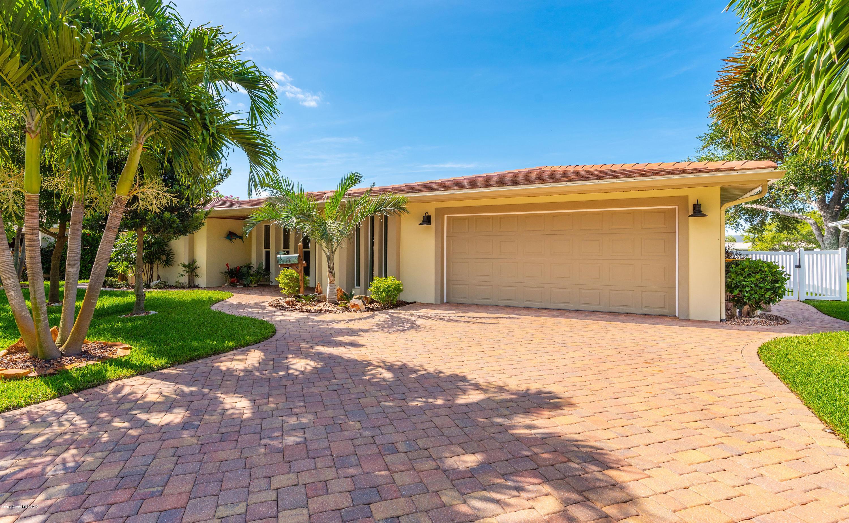 Single Family Home for Sale at 416 Bridgetown Satellite Beach, Florida 32937 United States