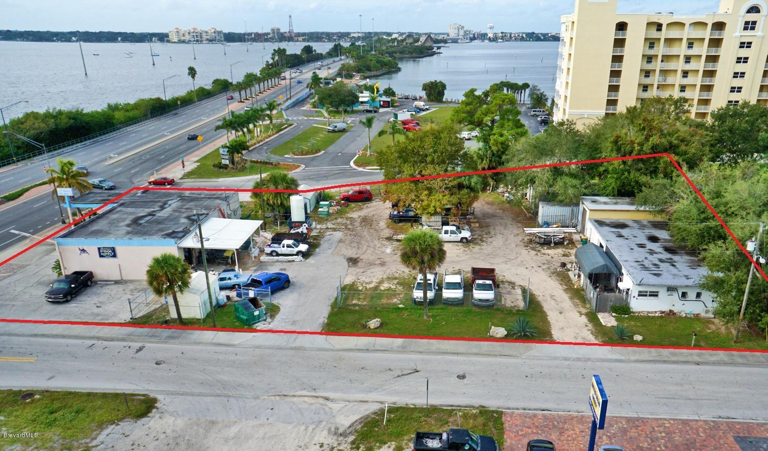 Commercial for Sale at 500 W Merritt Island Causeway Merritt Island, Florida 32952 United States