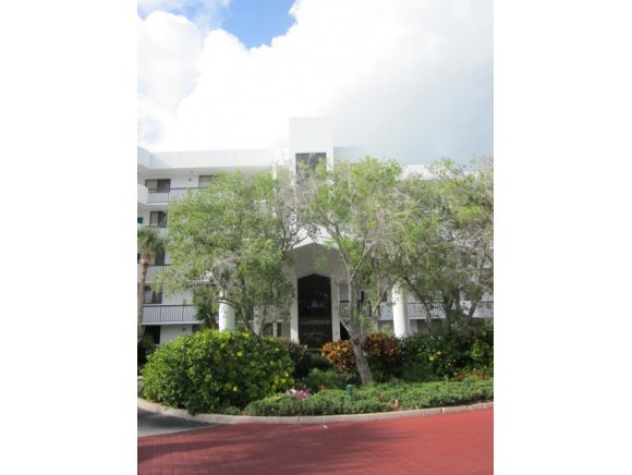 Additional photo for property listing at 300 Columbia Cape Canaveral, Florida 32920 Amerika Birleşik Devletleri