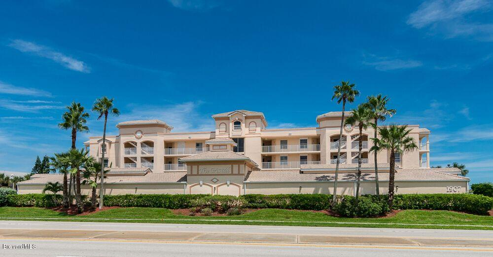 Single Family Homes for Rent at 1907 Highway A1a Indian Harbour Beach, Florida 32937 United States