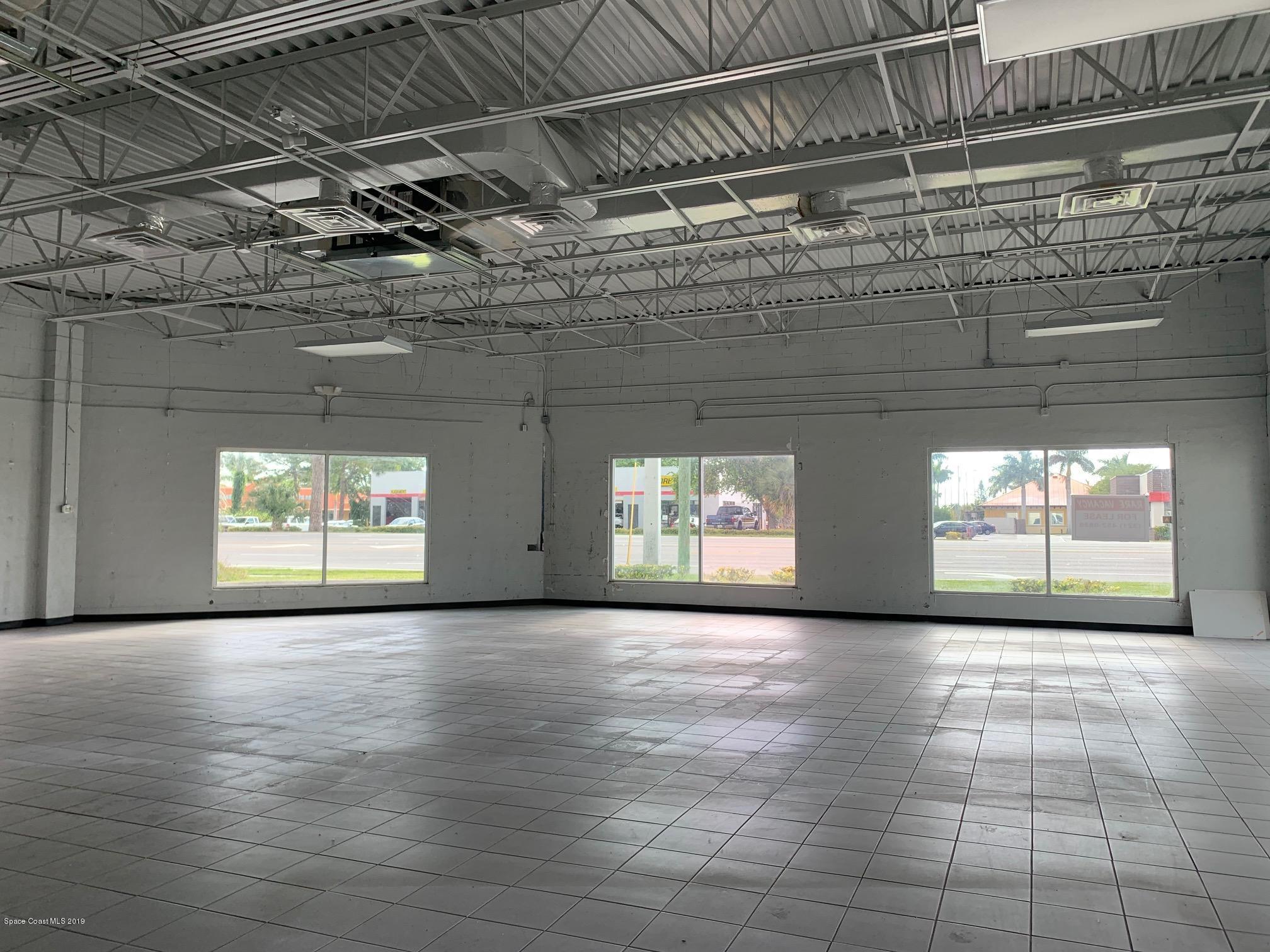Additional photo for property listing at 925 N Courtenay Merritt Island, Florida 32953 United States