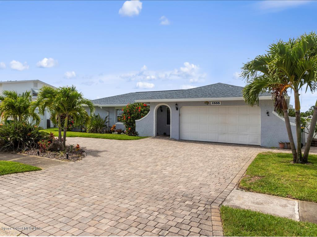 Single Family Homes for Sale at 1555 Bella Casa Merritt Island, Florida 32952 United States