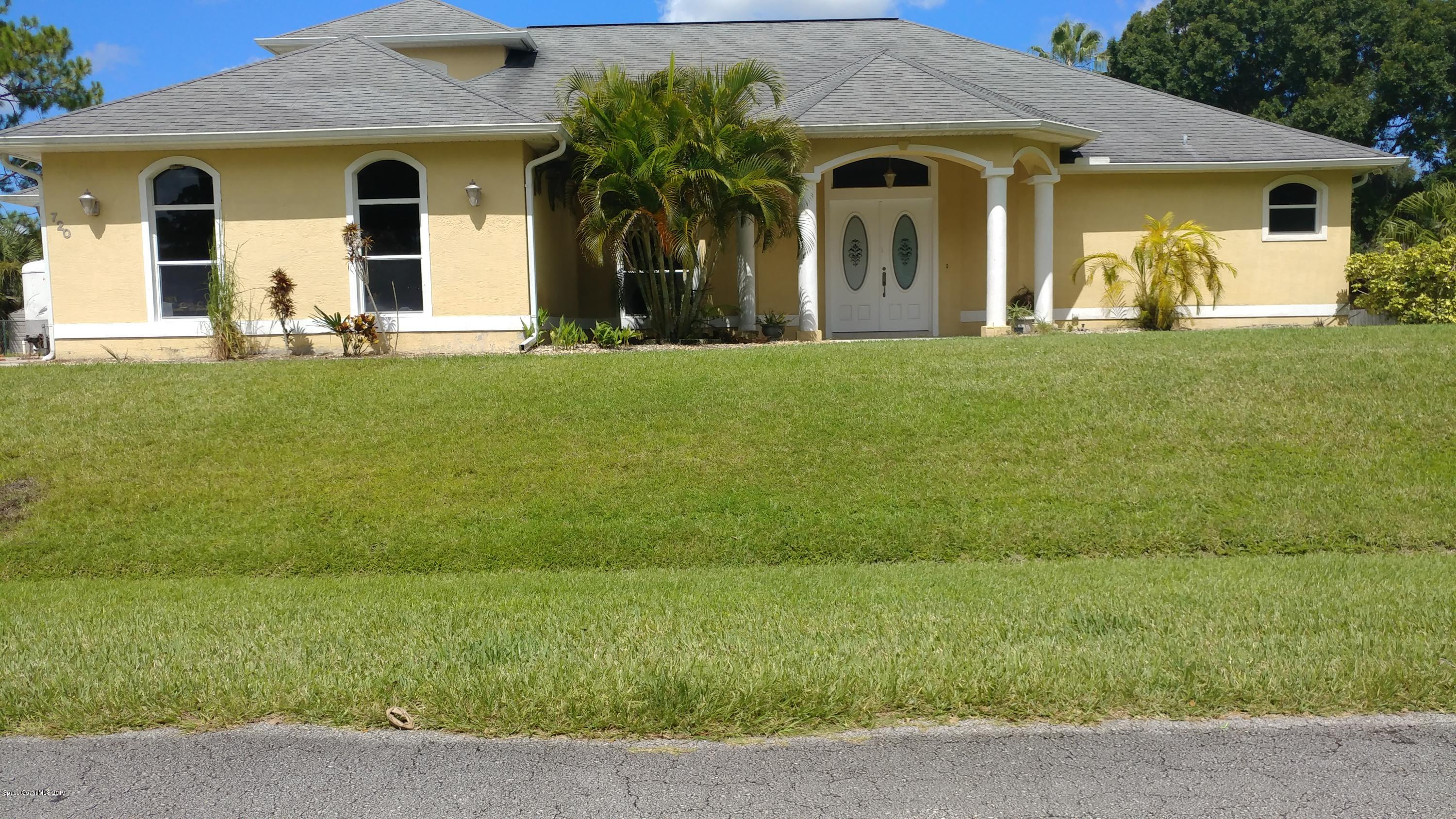 Single Family Homes for Rent at 720 Needle Palm Bay, Florida 32907 United States