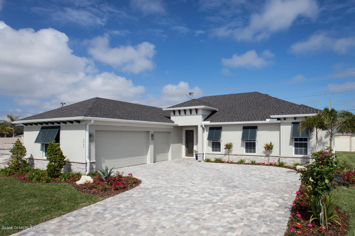 Single Family Homes for Rent at 4445 Negal Melbourne, Florida 32901 United States