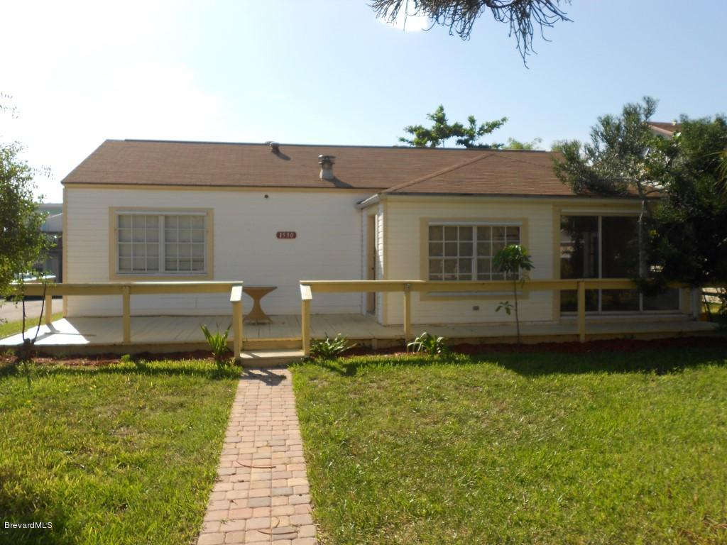 Single Family Homes for Rent at 1530 S Atlantic Cocoa Beach, Florida 32931 United States