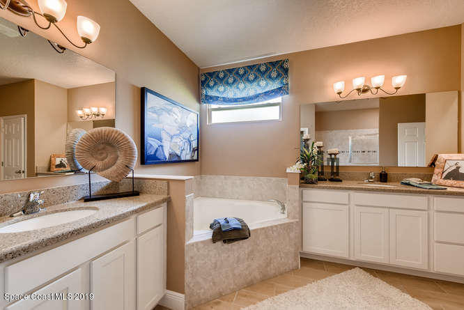 Additional photo for property listing at 628 Stonebriar Palm Bay, Florida 32909 United States