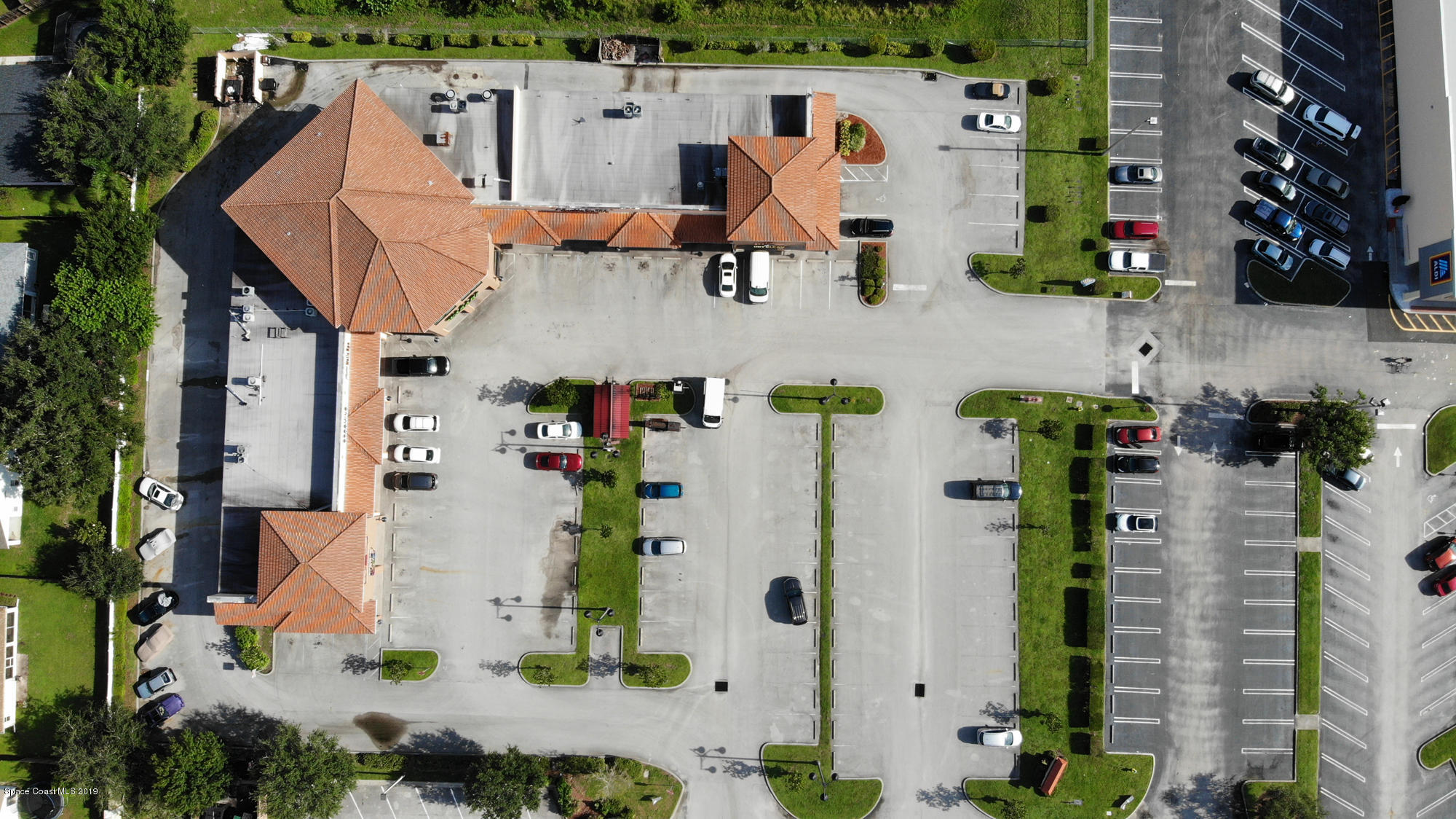 Additional photo for property listing at 634 Barnes Boulevard Rockledge, Florida 32955 United States