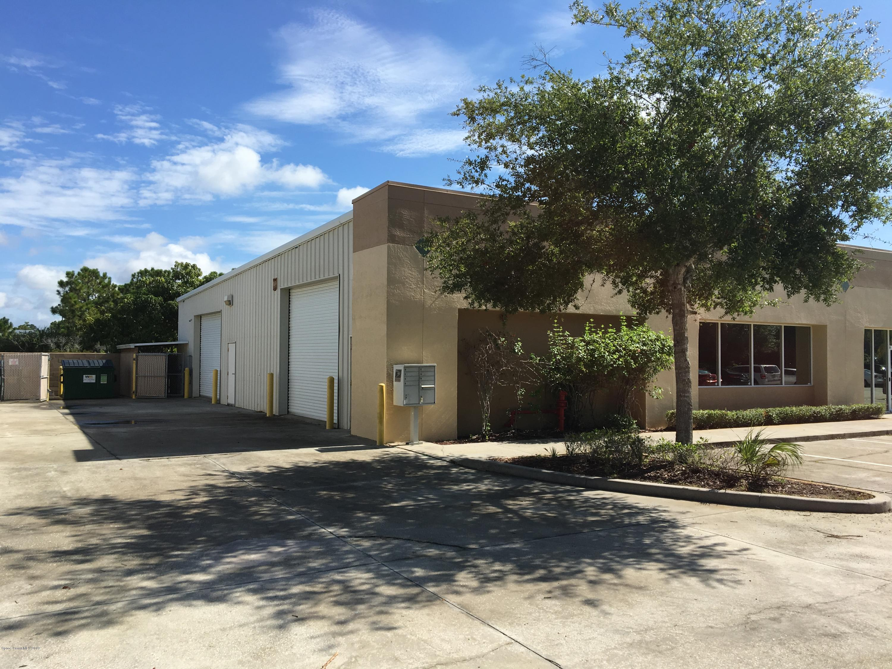 Commercial for Rent at 744 North Melbourne, Florida 32934 United States