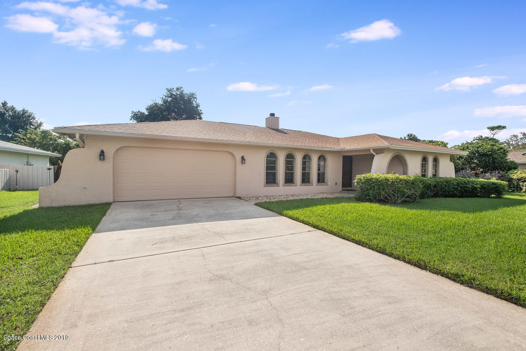 Single Family Homes for Sale at 725 Wing Foot Melbourne, Florida 32940 United States