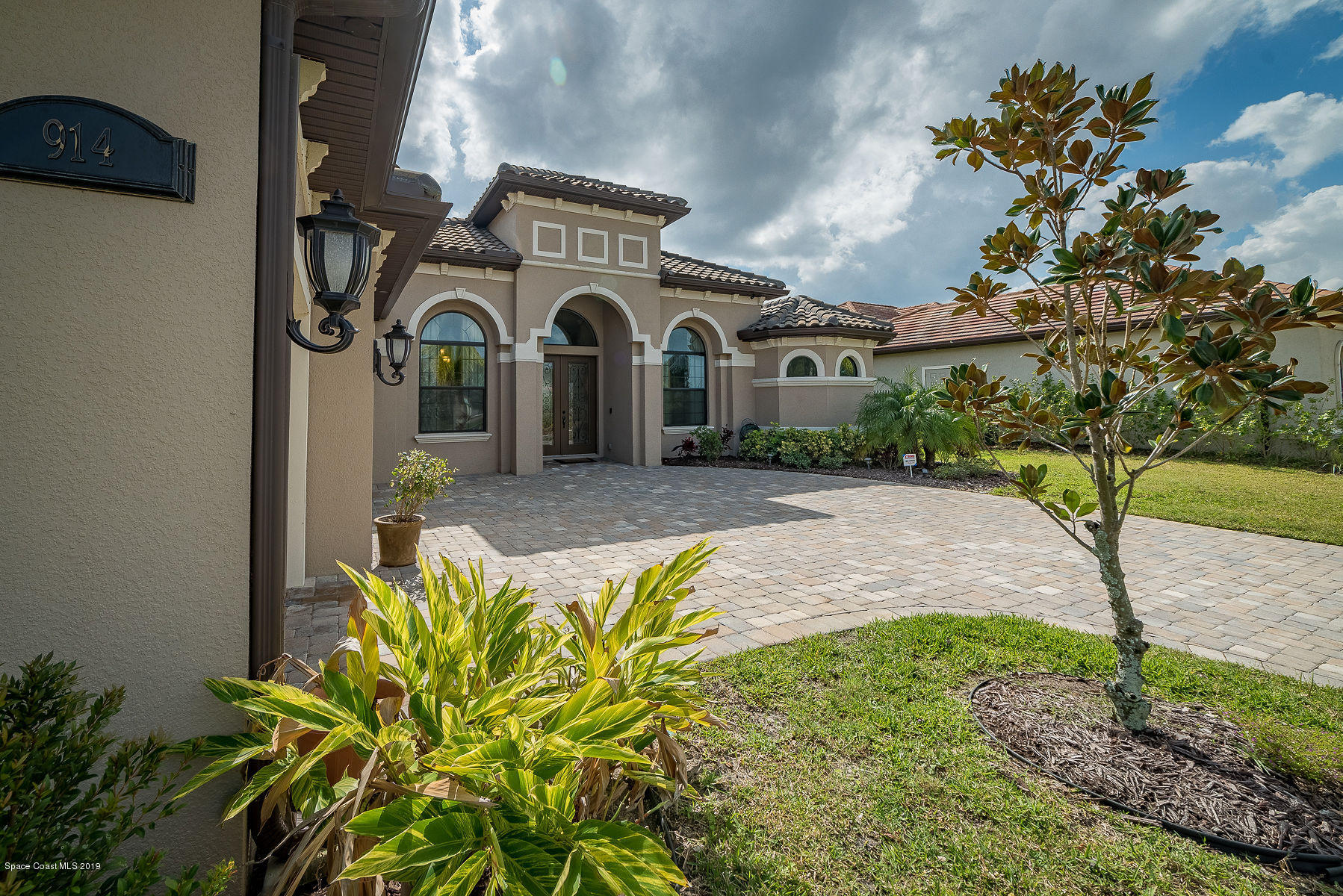 Single Family Homes for Sale at 914 Casa Dolce Casa Rockledge, Florida 32955 United States
