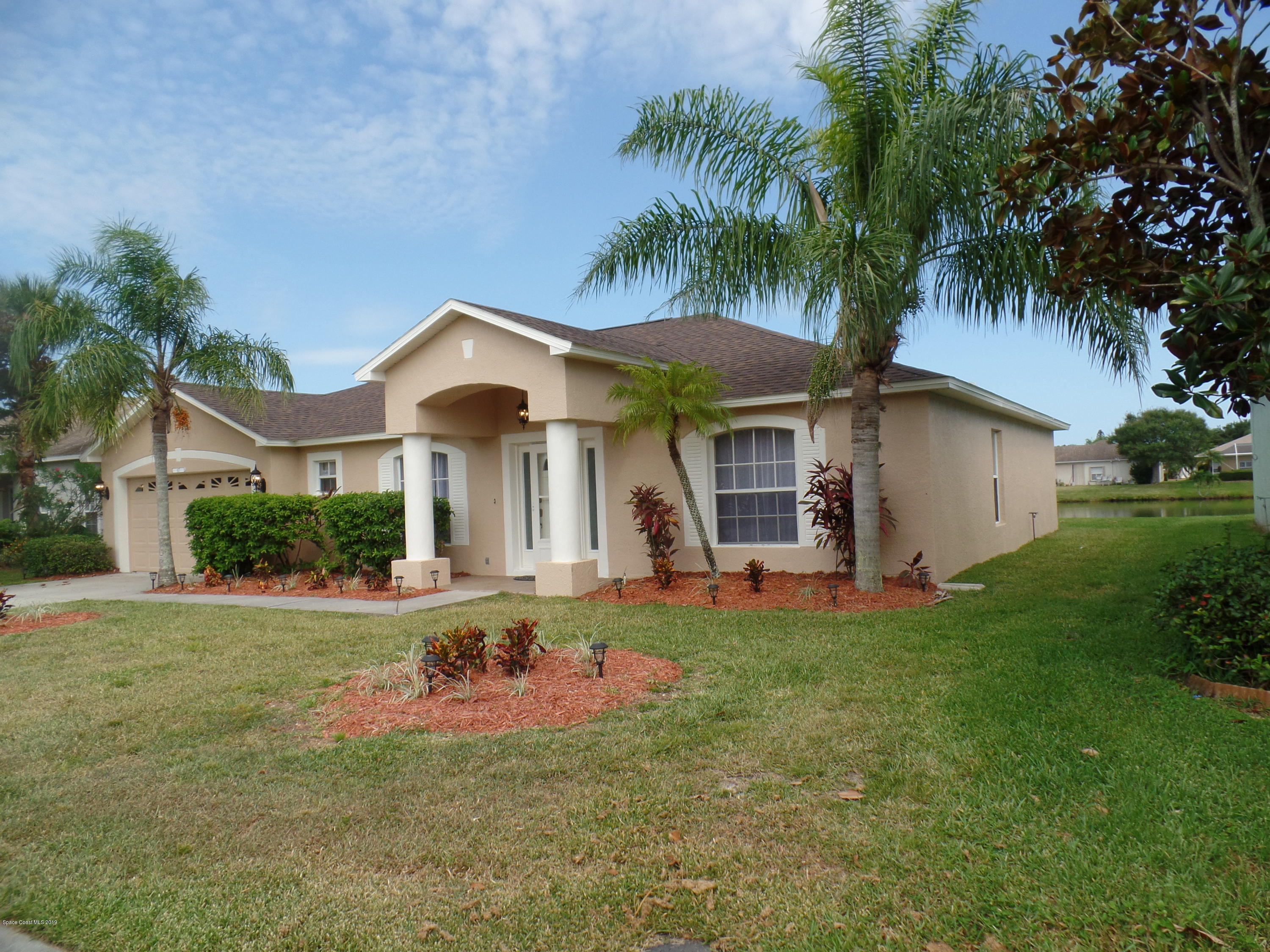 Single Family Homes for Sale at 817 Preakness West Melbourne, Florida 32904 United States