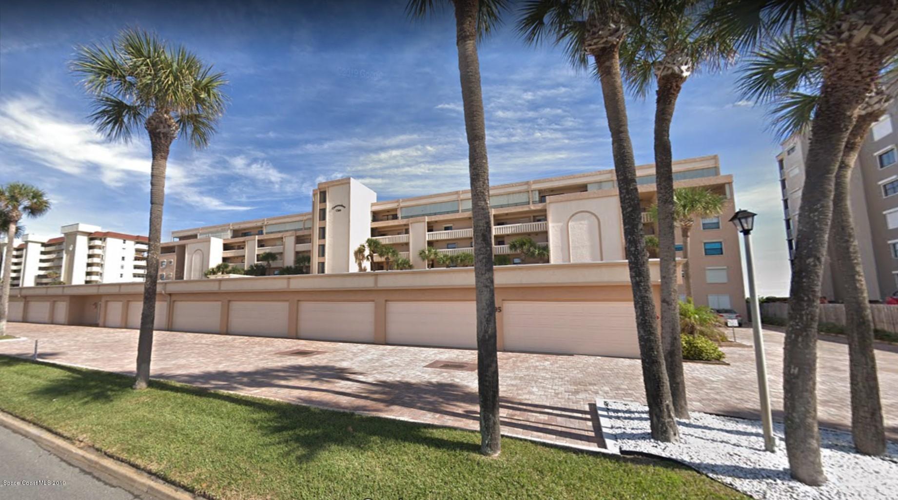 Single Family Homes 為 出租 在 995 N Highway A1A Indialantic, 佛羅里達州 32903 美國