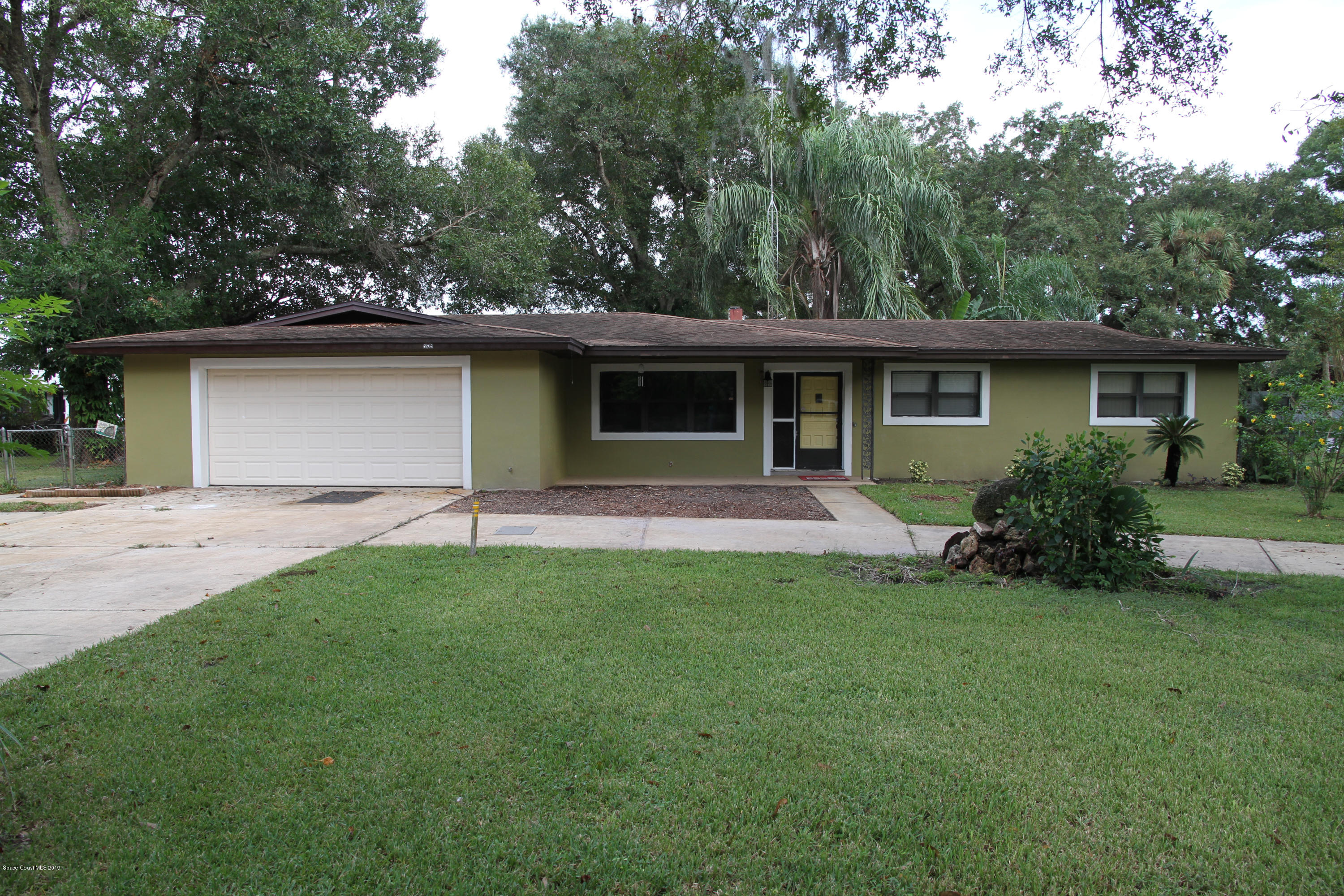 Single Family Homes for Rent at 5635 Travis Mims, Florida 32754 United States