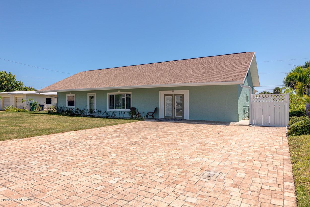 Single Family Homes for Rent at 147 E Pasco Cocoa Beach, Florida 32931 United States