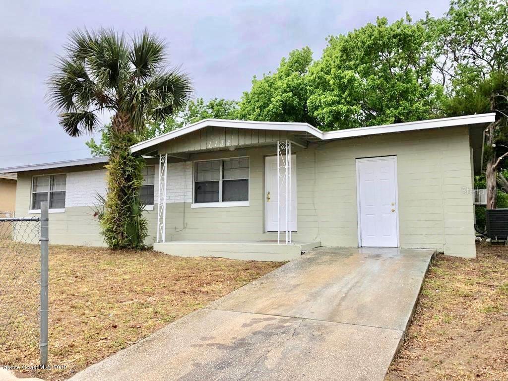 Single Family Homes 為 出售 在 1134 Berkshire Daytona Beach, 佛羅里達州 32117 美國