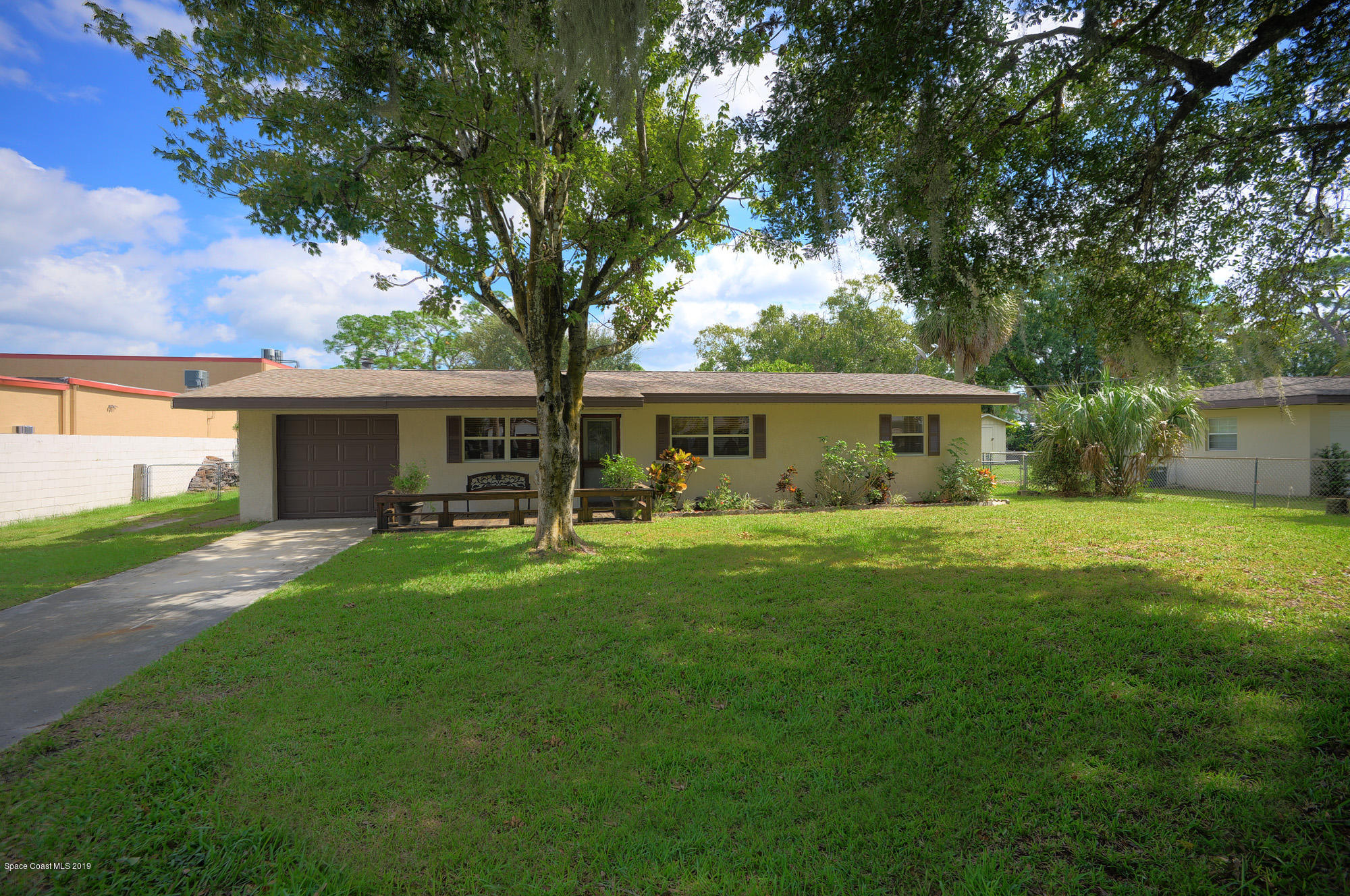 Single Family Homes for Sale at 109 Elm Melbourne, Florida 32904 United States
