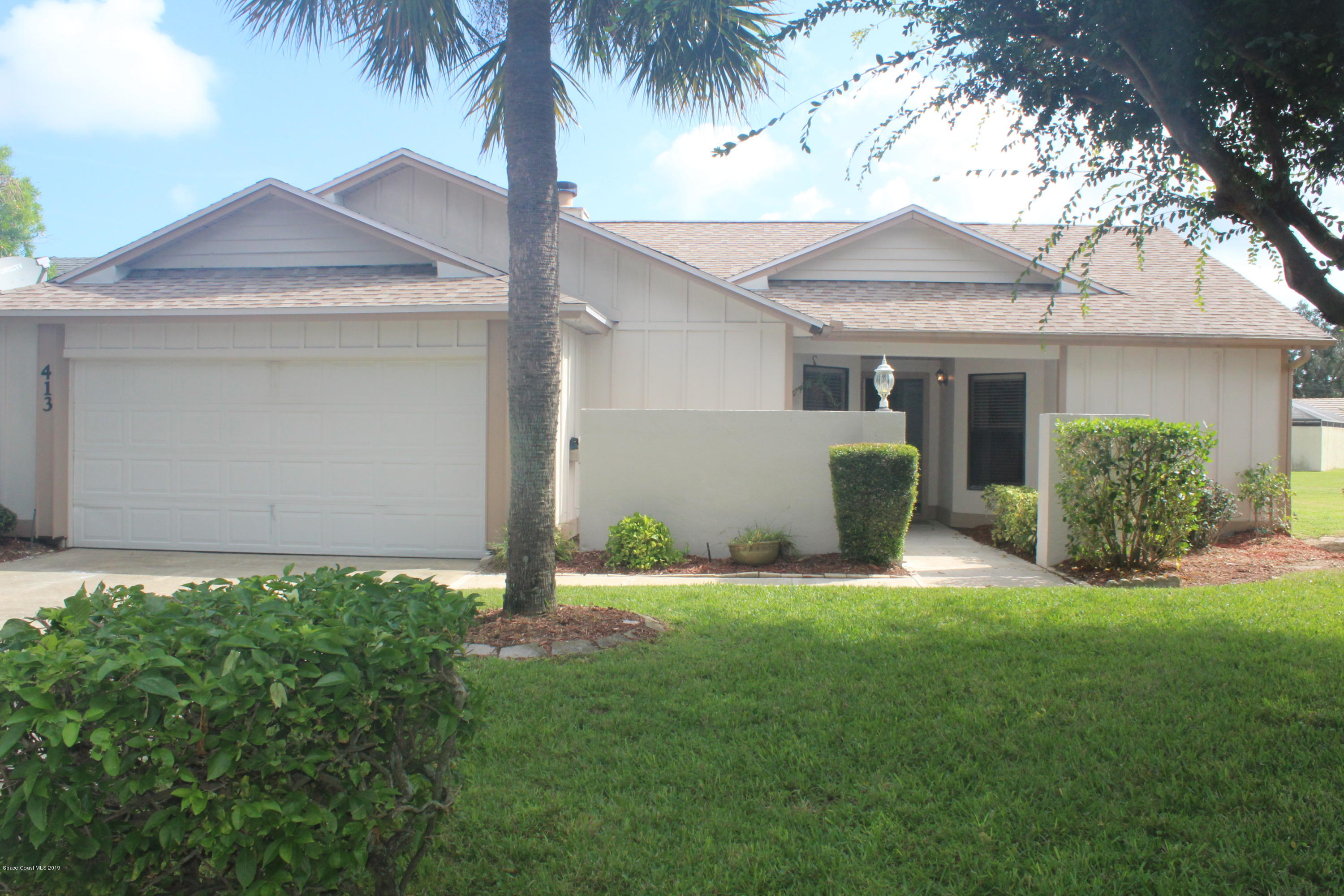 Single Family Homes for Sale at 413 Maple Bluff Melbourne, Florida 32940 United States