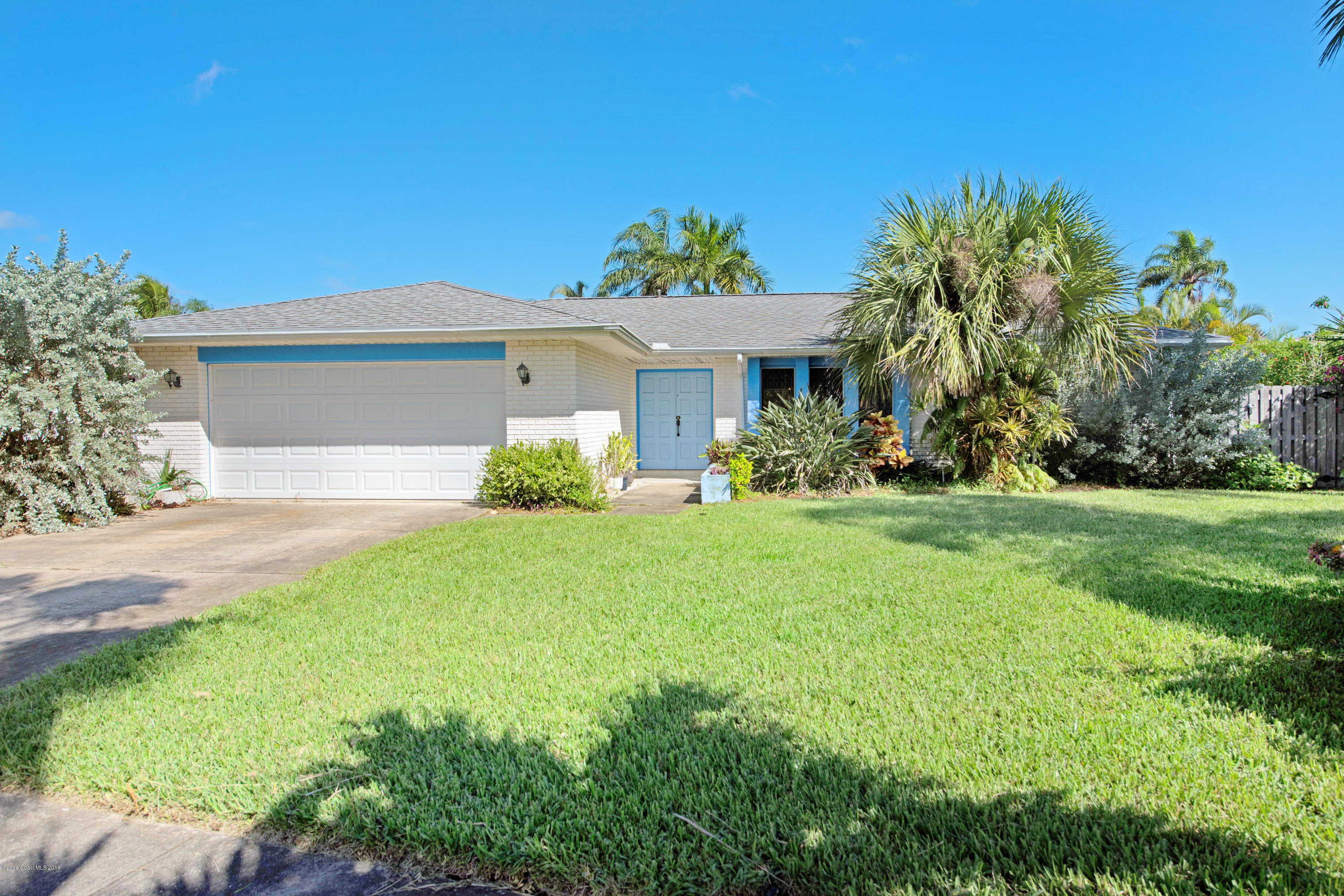 Single Family Homes for Sale at 470 Trinidad Satellite Beach, Florida 32937 United States