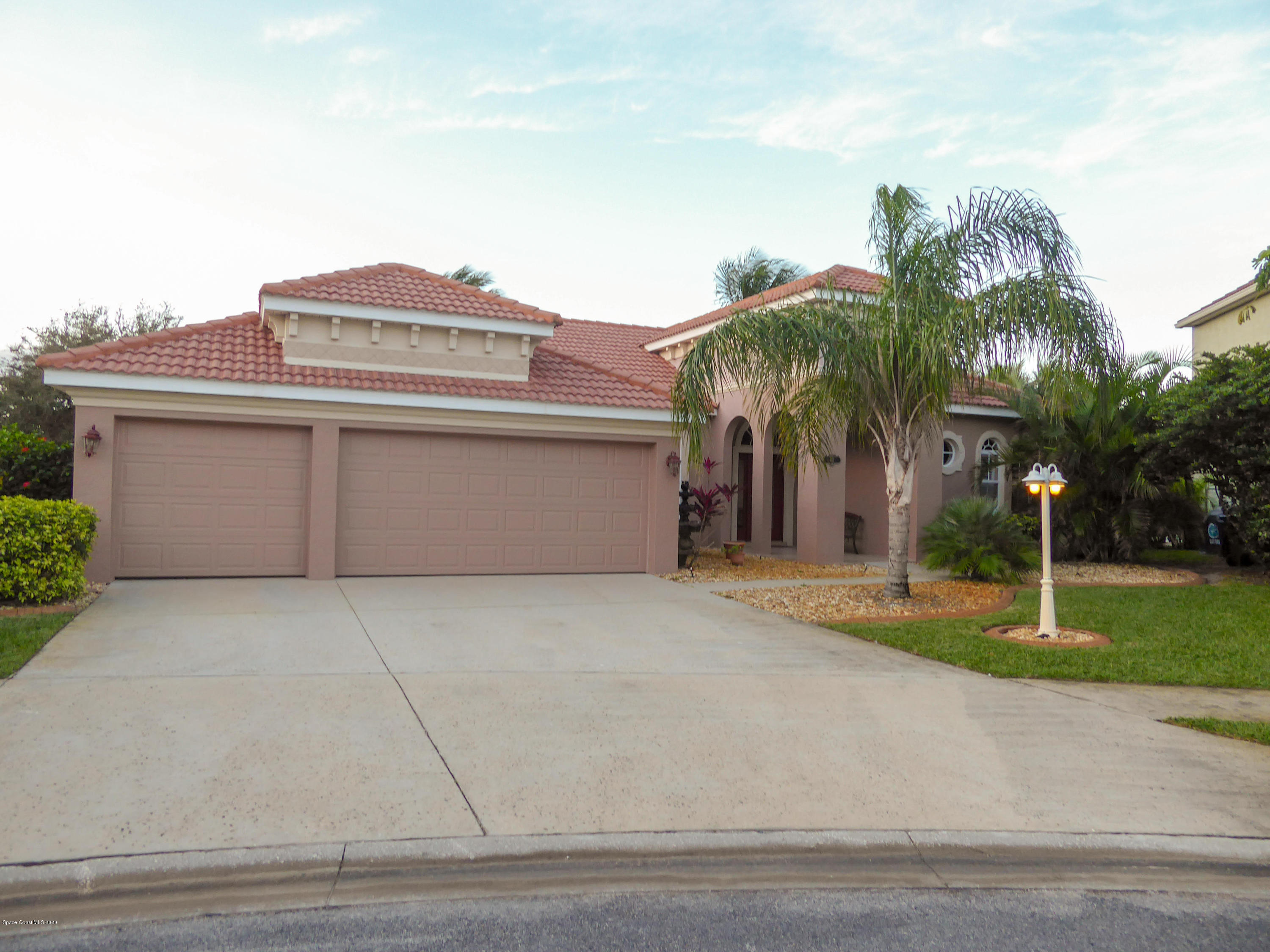 Photo of 417 Pirate'S Moon Court, Melbourne, FL 32903