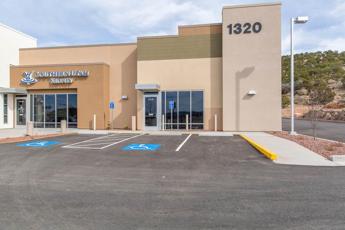 Gorgeous modern facility with drive thru capability for potential retail tenant.2,339 Sq Ft available, first year free with a 5 year lease and following term at $15.00 SFPY/ NNN, TI\