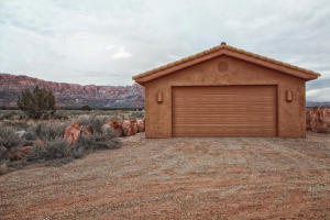 Deatched garage