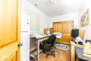 Downstairs Bedroom/craft room