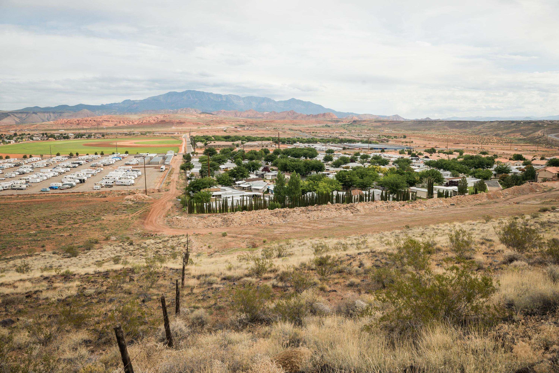1150 E Desert Ridge DR