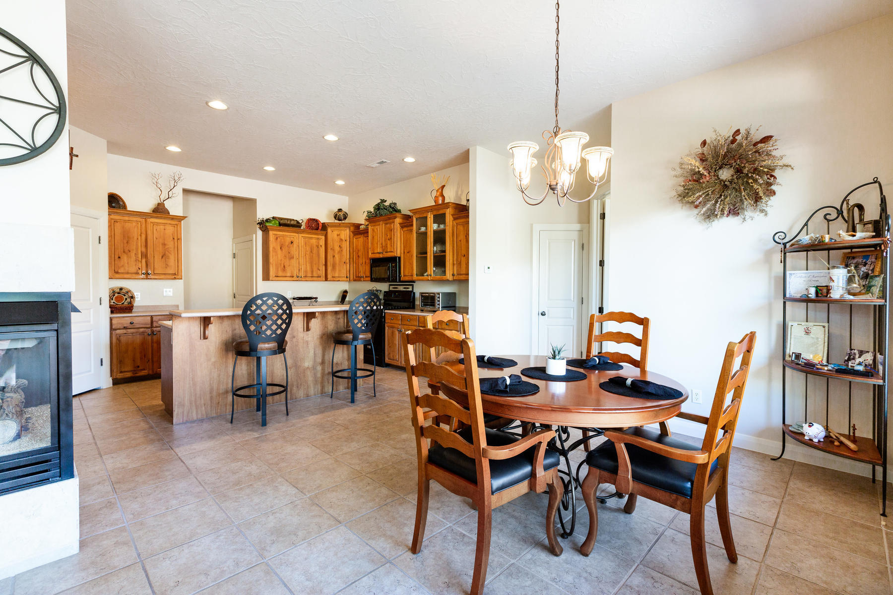 Located at the base of Snow Canyon State Park and walking distance to Tuacahn Amphitheater, this beautiful home has been meticulously maintained and is in like-new condition.  Open floor plan with large great room and kitchen, 3 bedrooms, 2 baths, covered patio, and beautiful red rock views. Turn-key furniture package is negotiable. Call to view this home, it will go fast!