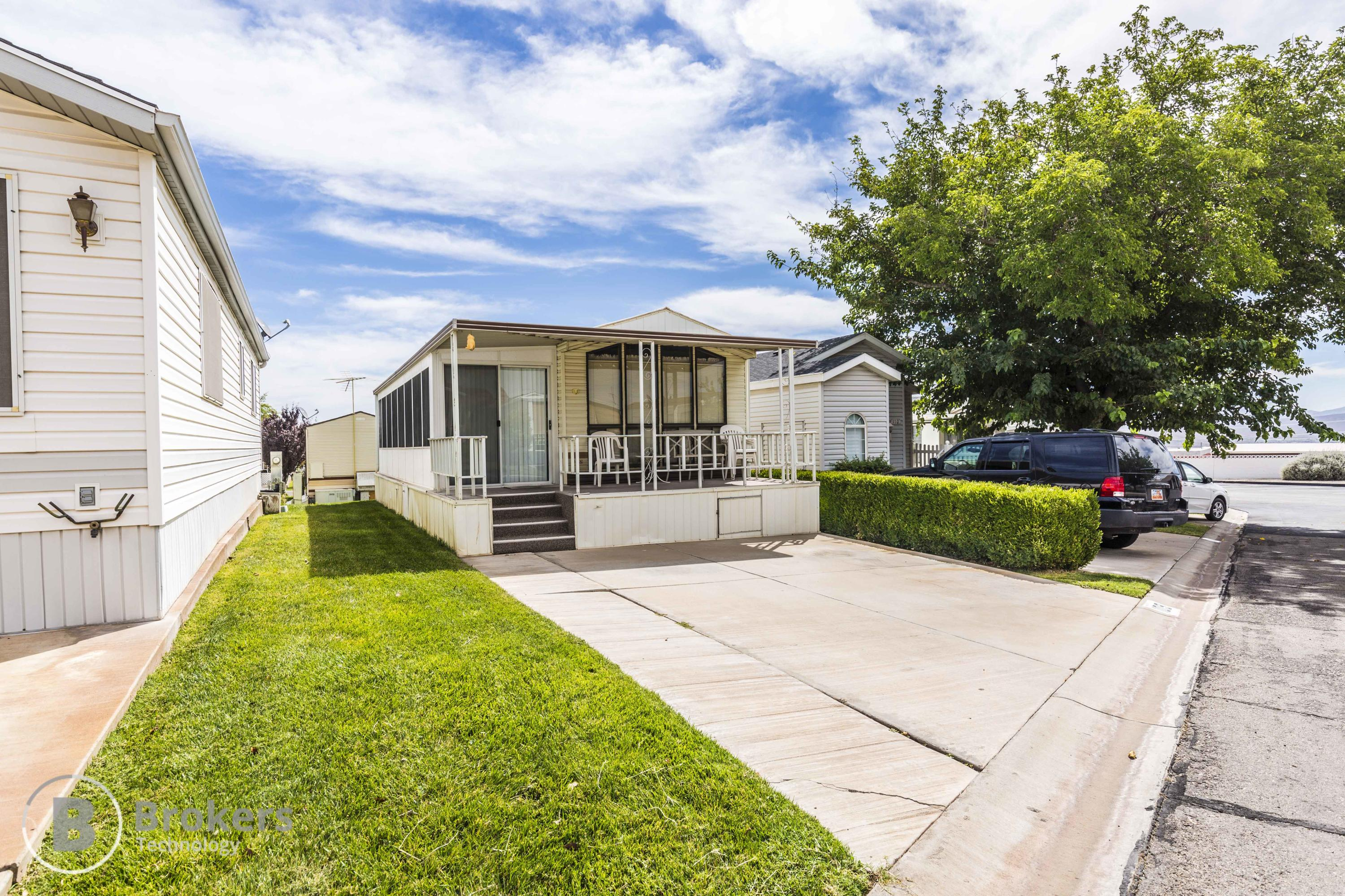 1150 W Red Hills Parkway #109