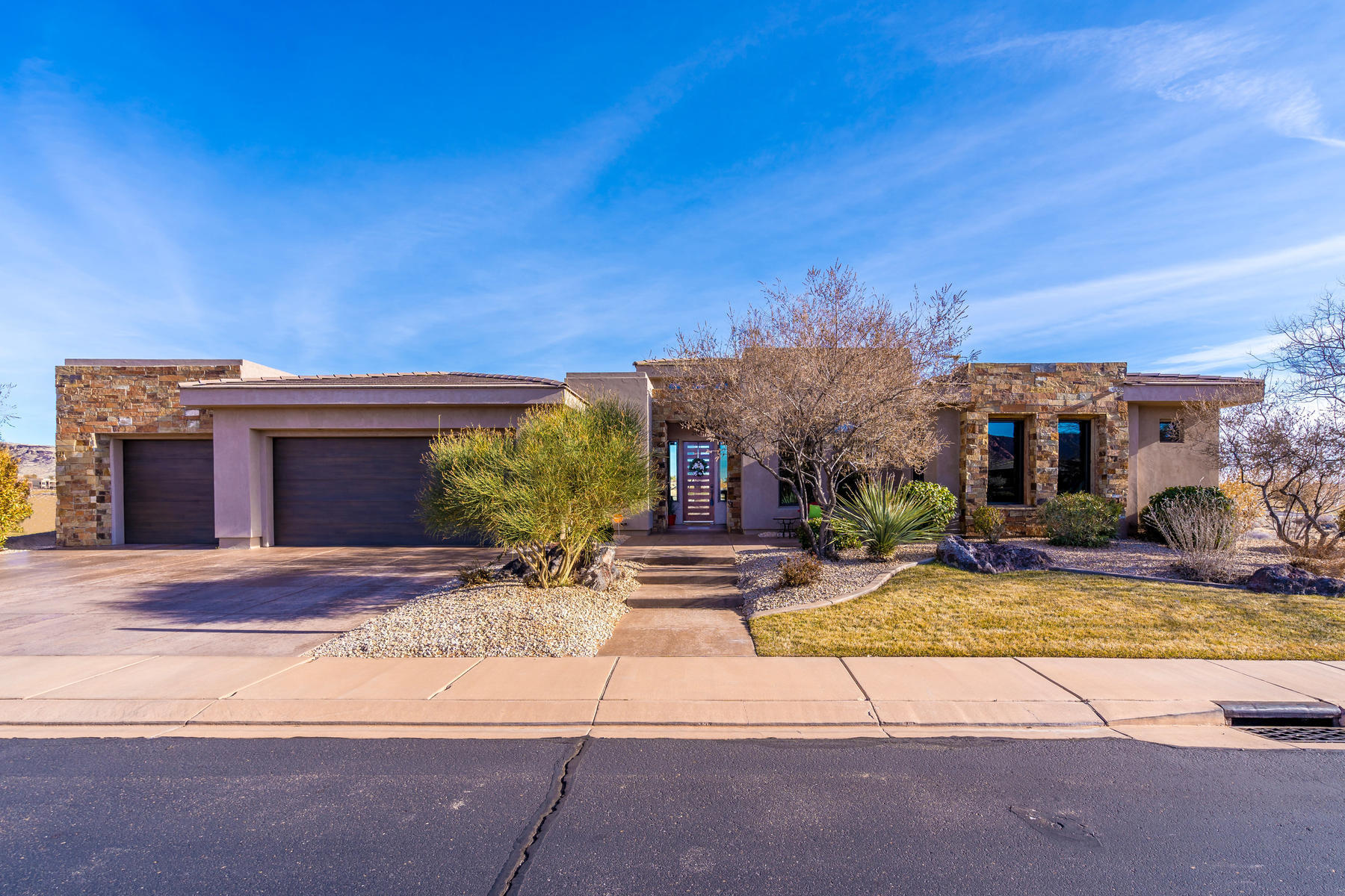 2065 W Rising Sun Drive, St George in Washington County, UT 84770 Home for Sale