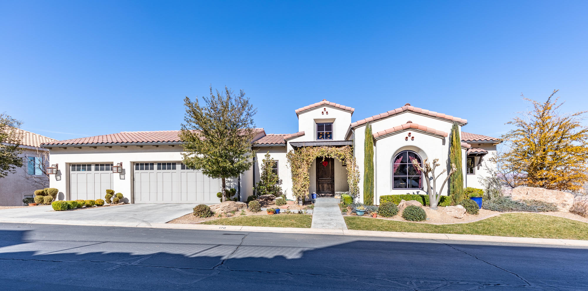 One of St George 5 Bedroom Homes for Sale at 170 W Mojave Heights   DR