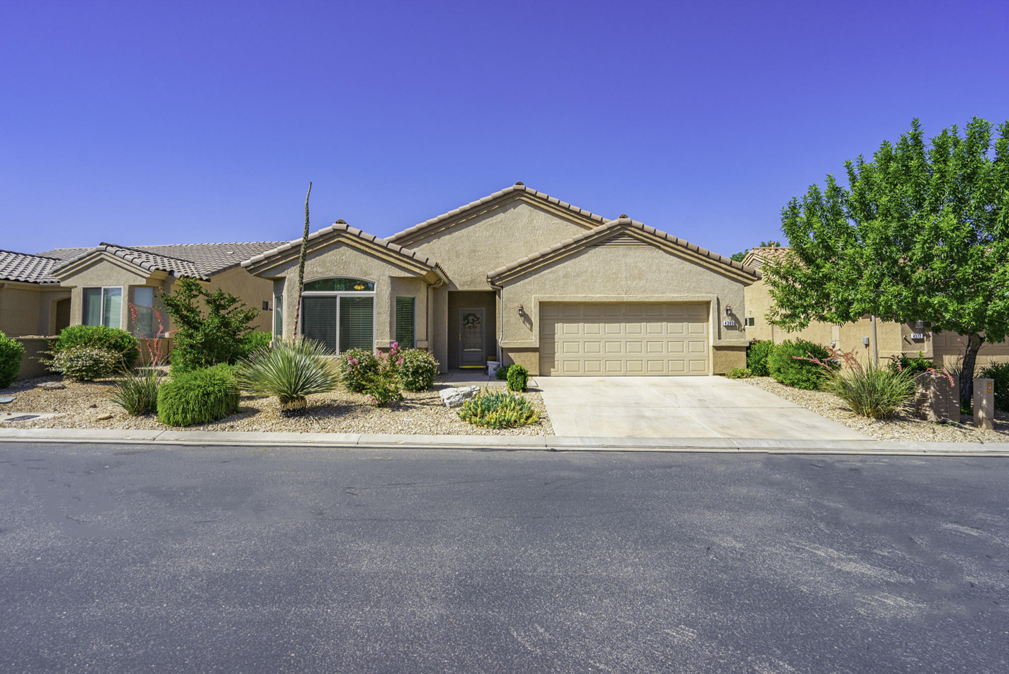 4380 S Aspen Glow   DR, St George in Washington County, UT 84790 Home for Sale