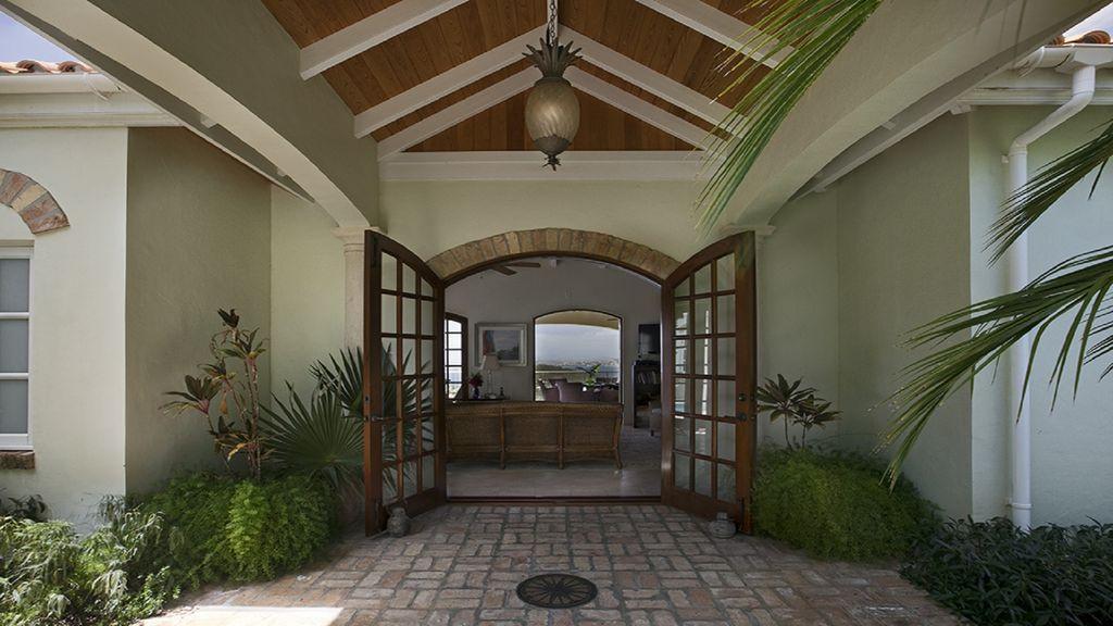 St John, Virgin Islands 00830, 3 Bedrooms Bedrooms, ,3 BathroomsBathrooms,Residential,For Sale,18-198