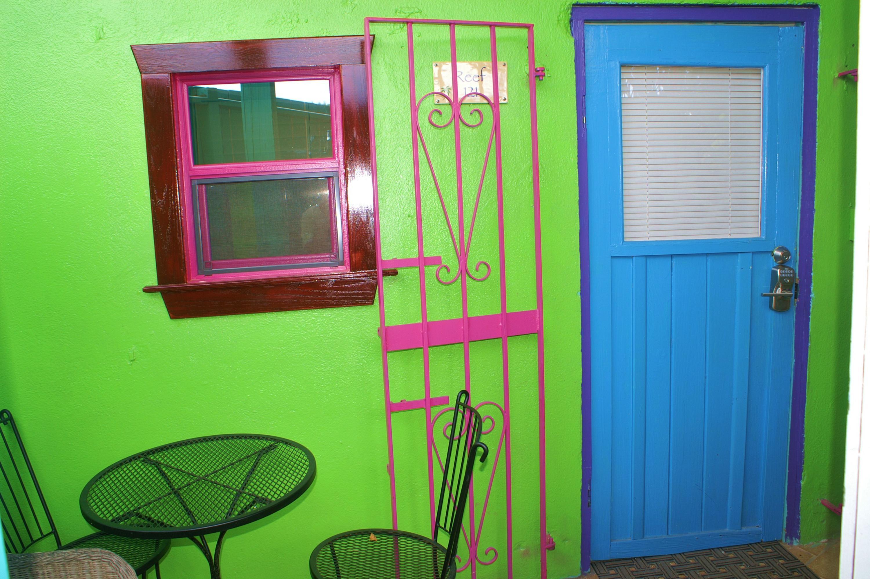 006 Welcoming entryway