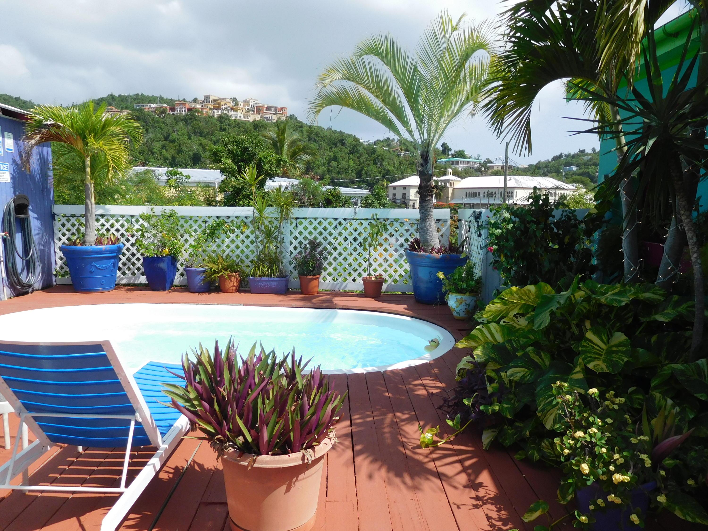 St John inn pool
