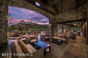 Outdoor Dining At Seven Canyons