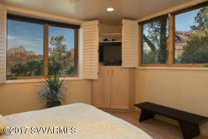 GUEST SUITE ONE