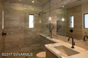 LUXURY GUEST BATHROOM IN CASITA