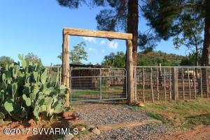 HANDSOME GATES & FENCING