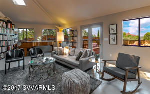 2-LIVING-RM-VIEW_5652