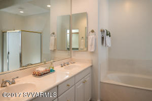 FULL SIZE MASTER BATHROOM DOWNSTAIRS