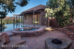 Heated Spa, Pool and Firepit