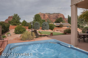 SOAK IN THE HOT TUB WITH RED ROCK VIEWS