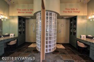 Le Mirrors  Magnifique