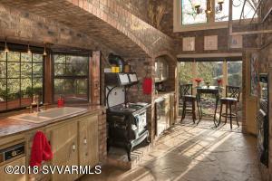 Main House Kitchen & Breakfast Nook