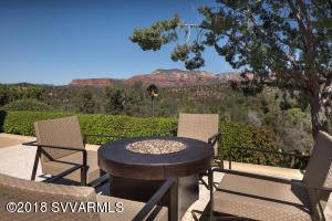 EXTRAORDINARY RED ROCK VIEWS