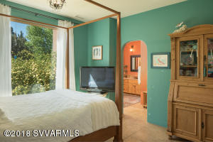 Guest House Master Suite
