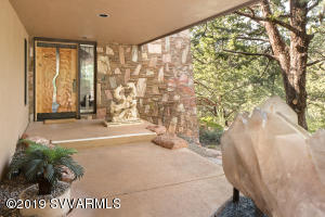 NEW LUXURIOUS & ARTISTIC INVITING ENTRY