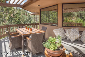 SERENITY IN YOUR OUTDOOR DINING SPACES