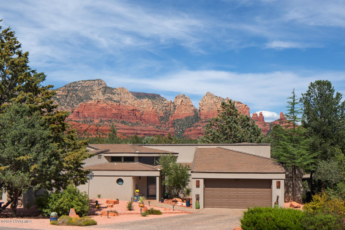 Photo of 127 Painted Cliffs Drive, Sedona, AZ 86336